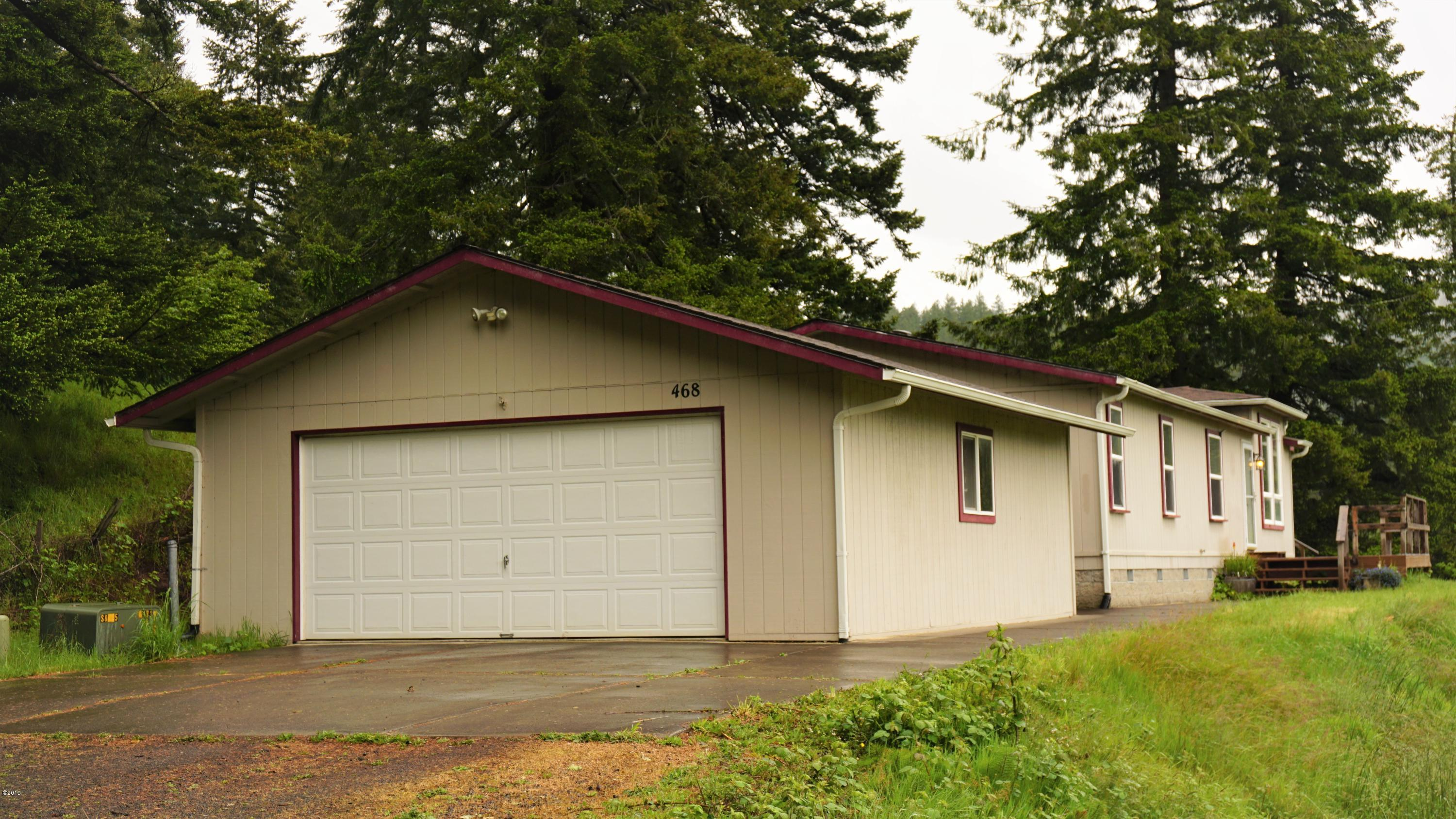 468 NE East Slope Rd, Toledo, OR 97391