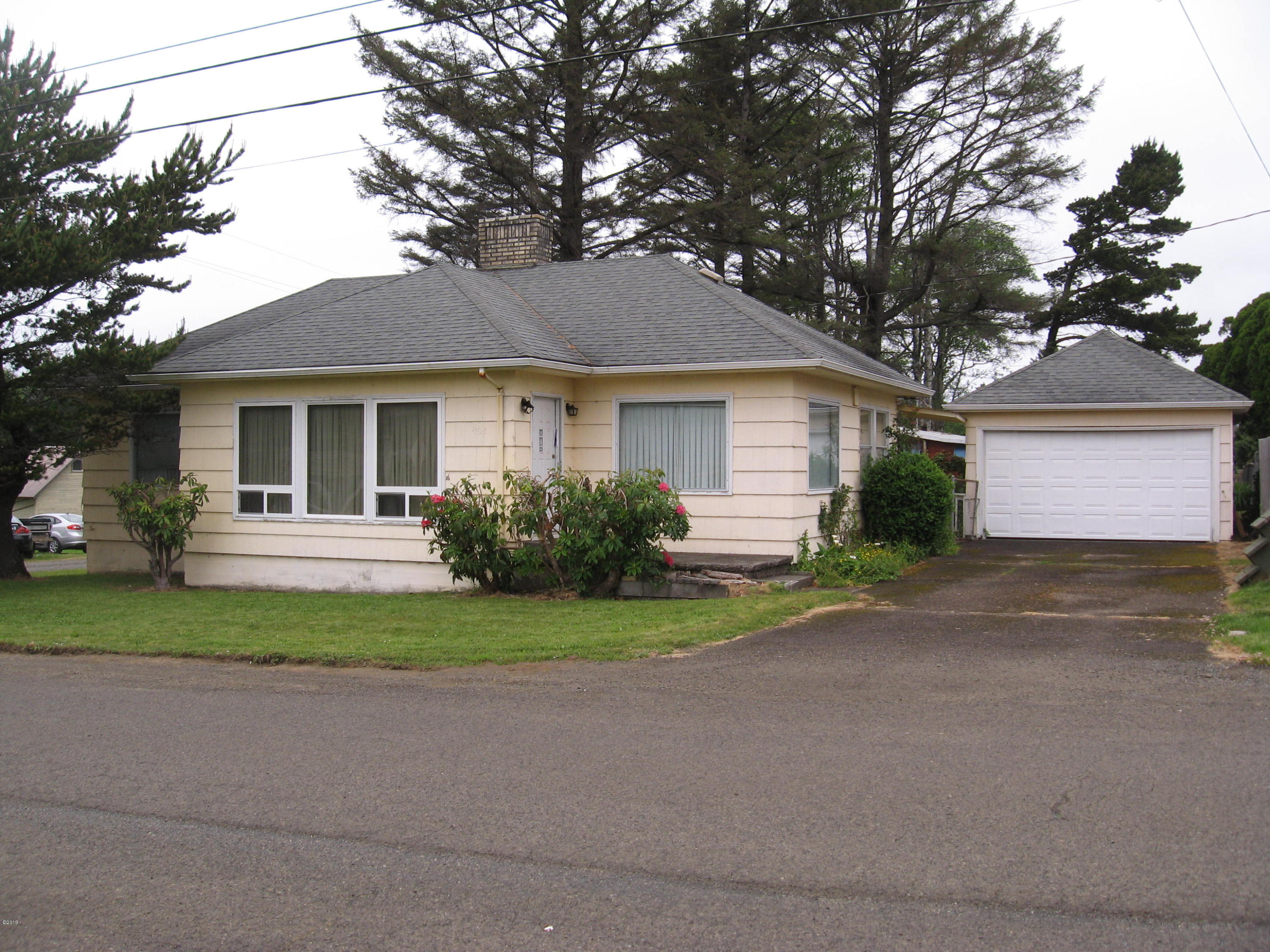 403 N 3rd Ave, Rockaway Beach, OR 97136 - IMG_0970