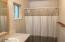712 SE Neptune Ave, Lincoln City, OR 97367 - Master bath
