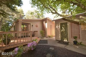 345 Seagrove Loop, Lincoln City, OR 97367 - FRONT