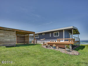 557 Cape View Dr, Yachats, OR 97498