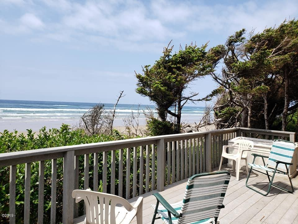 6417 NW Finisterre Ave, Yachats, OR 97498 - Oceanfront!