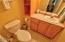 96 NW 33rd Pl, C, Newport, OR 97365 - Powder Room