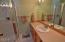 96 NW 33rd Pl, C, Newport, OR 97365 - Master Bath