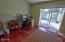 96 NW 33rd Pl, C, Newport, OR 97365 - Den out to patio