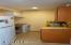 345 SW 11th St, Newport, OR 97365 - Apartment Kitchen
