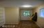 1175 NW Dundon Rd, Toledo, OR 97391 - Back entry hall