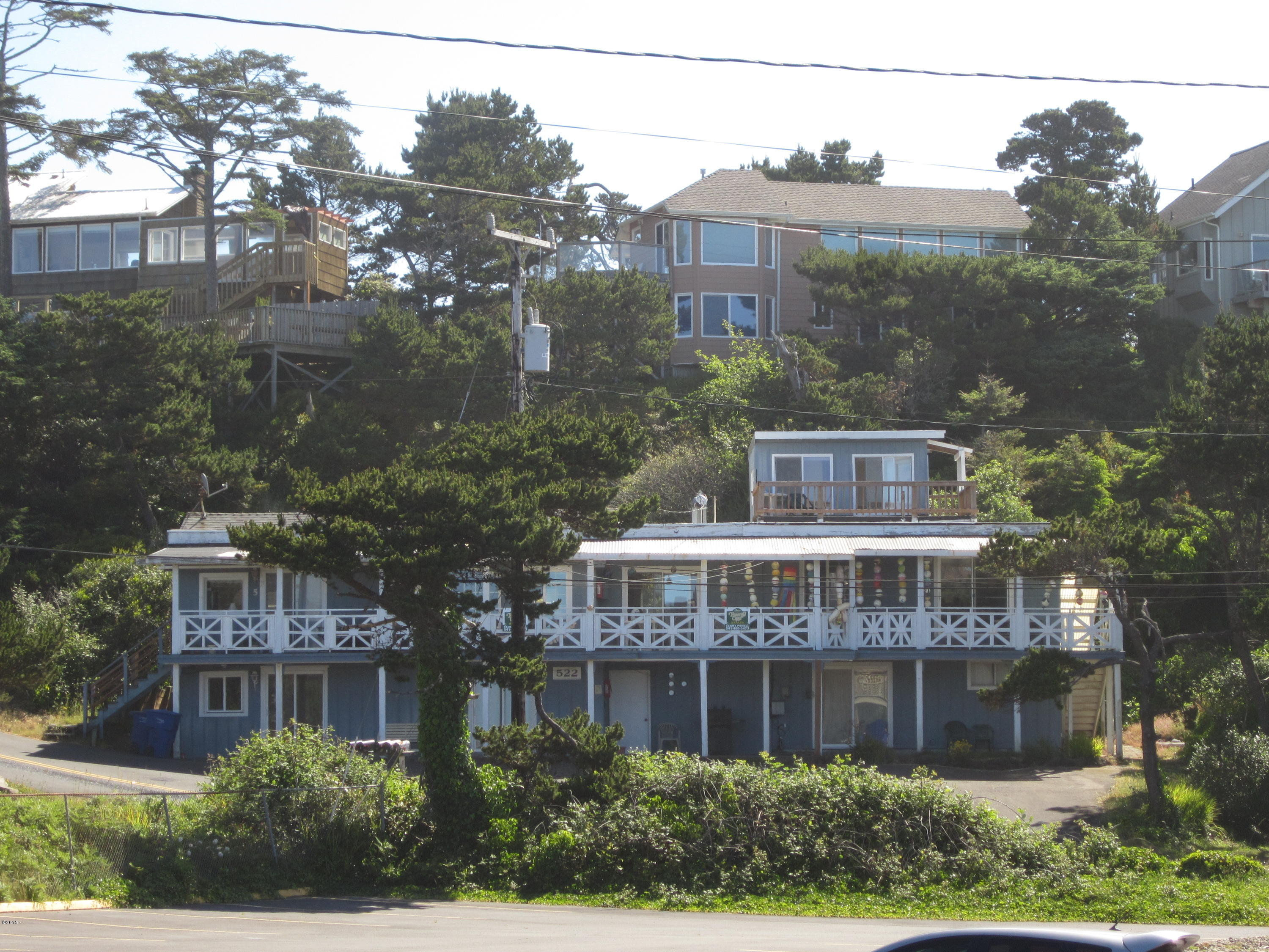 522 NW Inlet Ave, Lincoln City, OR 97367 - Front