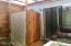 511 SE Inlet Ave, Lincoln City, OR 97367 - Outdoor Shower for the Studio