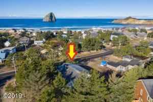 33505 Cape Kiwanda Dr, Pacific City, OR 97135 - 33505 arrow 1