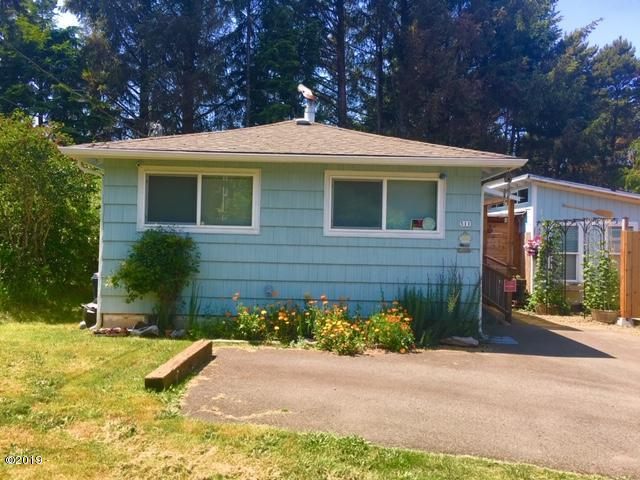 511 SE Inlet Ave, Lincoln City, OR 97367 - Front View