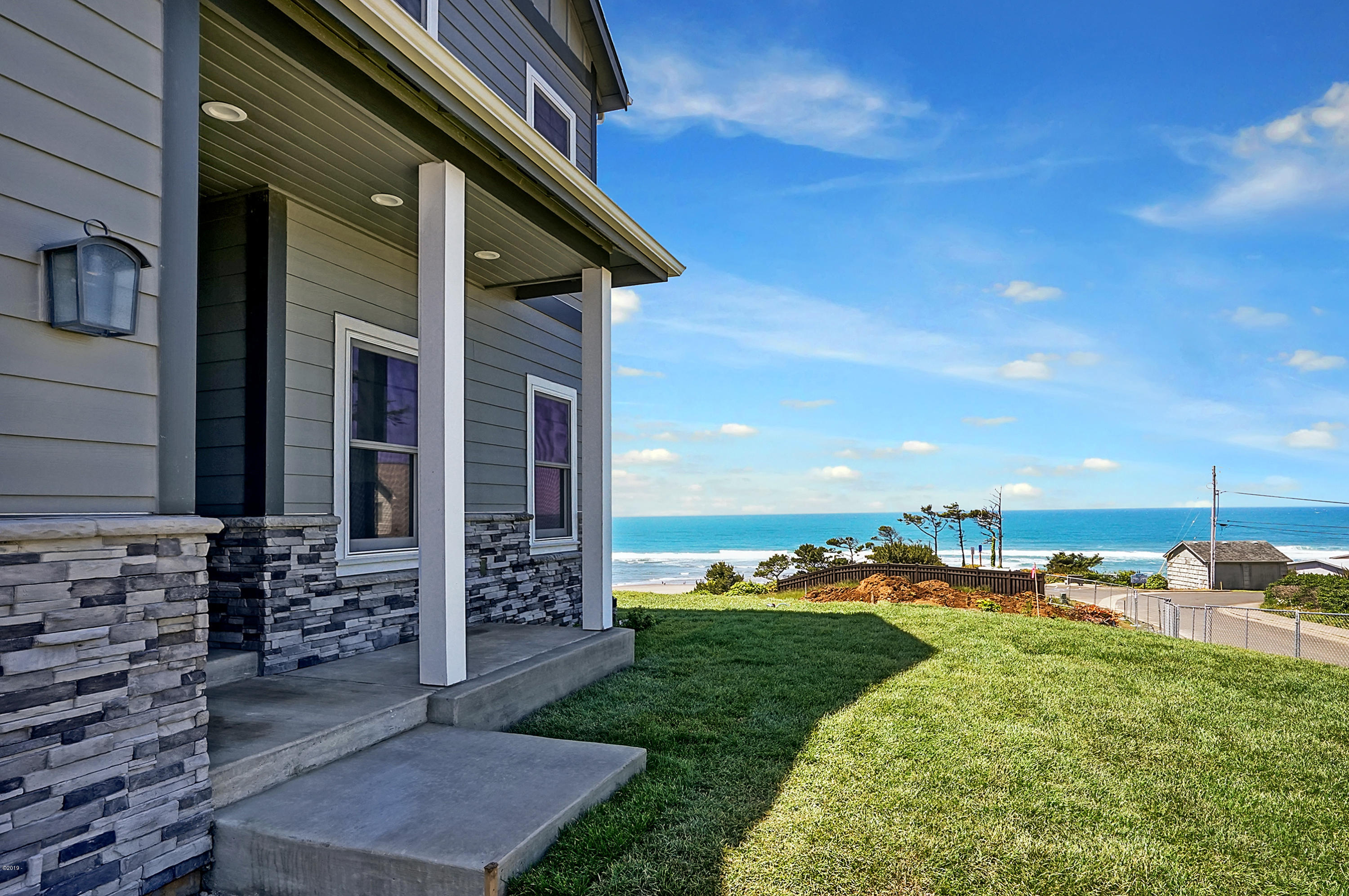 5057 SW Beach Ave, Lincoln City, OR 97367