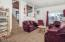 522 NW Inlet Ave, Lincoln City, OR 97367 - Living room - View 2 (1280x850)