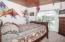 522 NW Inlet Ave, Lincoln City, OR 97367 - Master Bedroom - View 1 (1280x850)