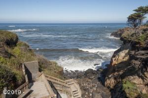 15 Fishing Rock Dr, Depoe Bay, OR 97341 - Beach Access