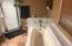 1451 NW 19th St, Lincoln City, OR 97367 - Nice Tile Shower and Tub