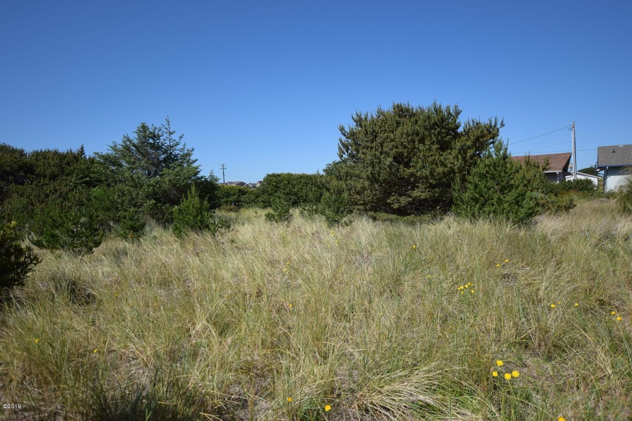 1602 NW Parker Ave, Waldport, OR 97394 - Lot looking west