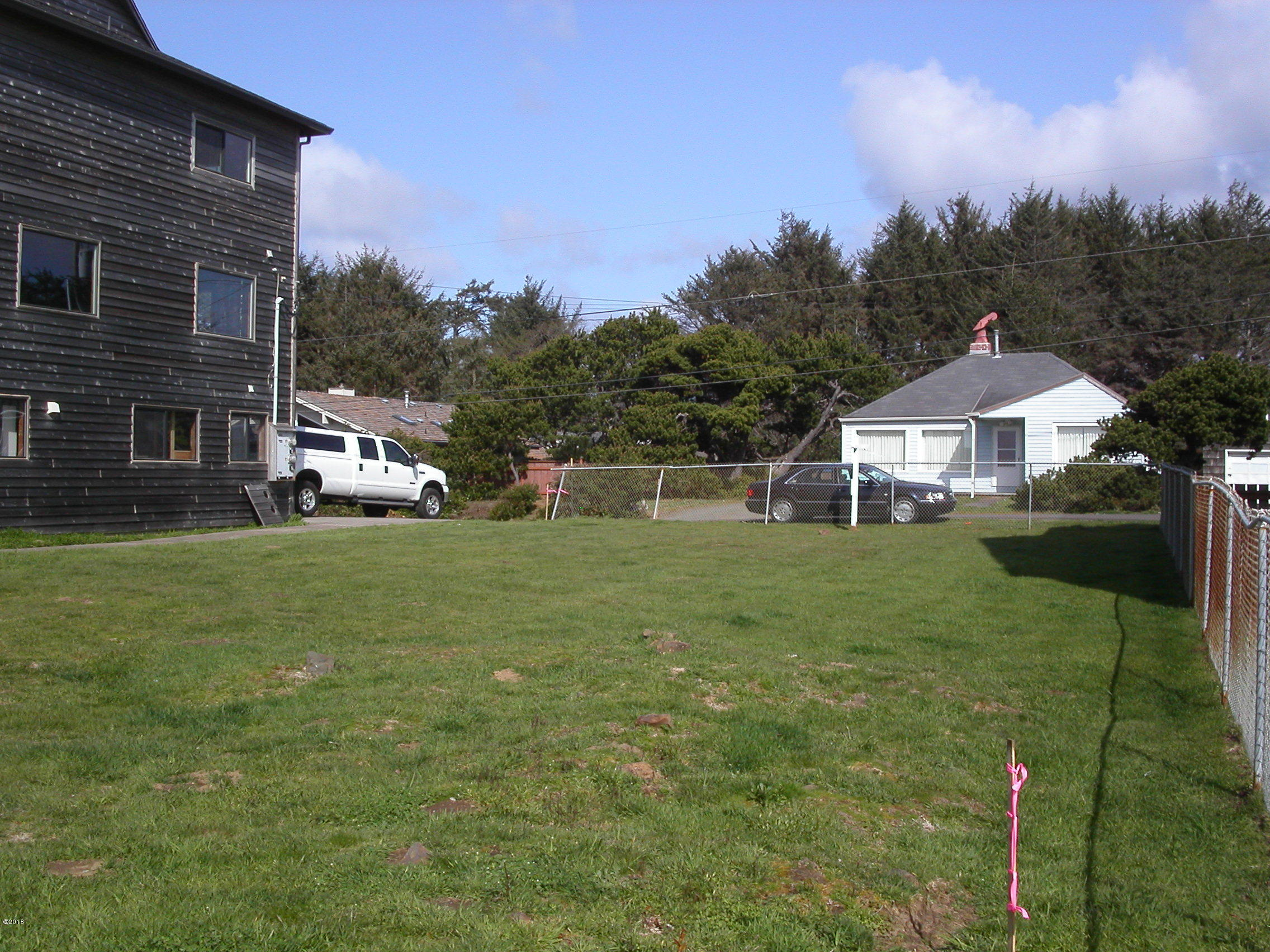 1417 SW Coast Ave, Lincoln City, OR 97367 - 1417 Coast Ave