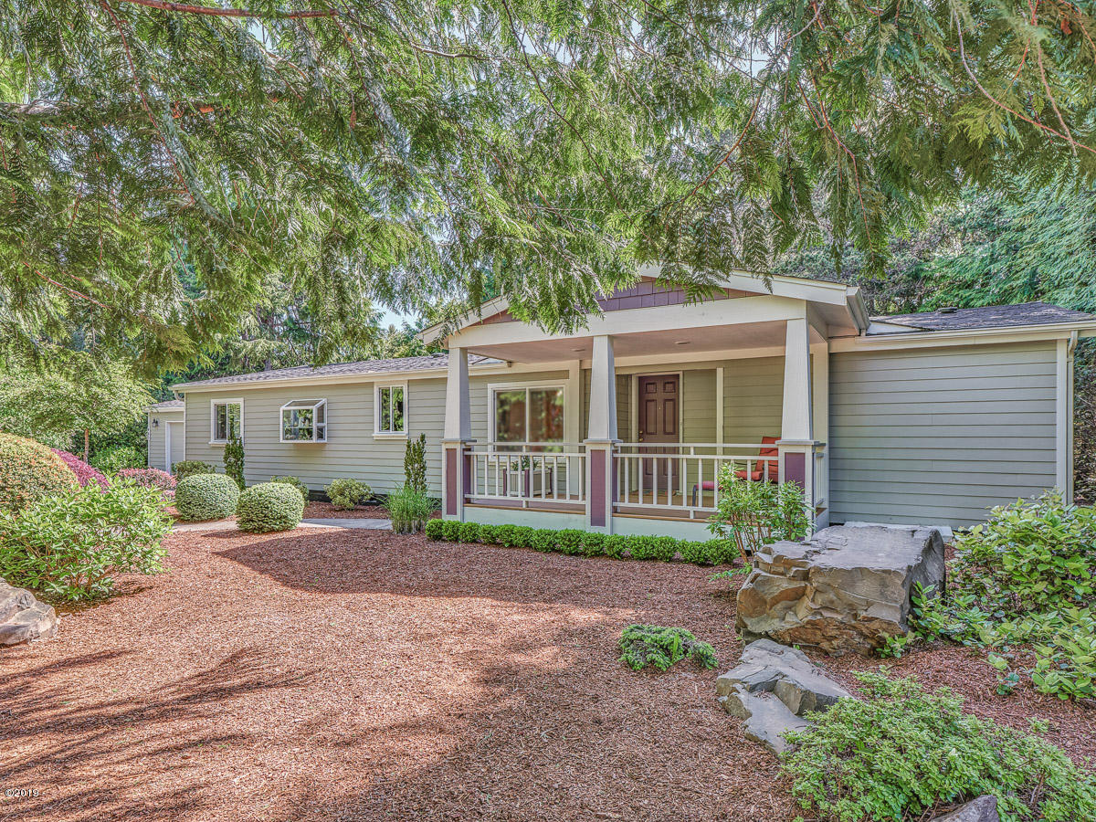 485 Seagrove Loop, Lincoln City, OR 97367
