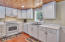 485 Seagrove Loop, Lincoln City, OR 97367 - Kitchen