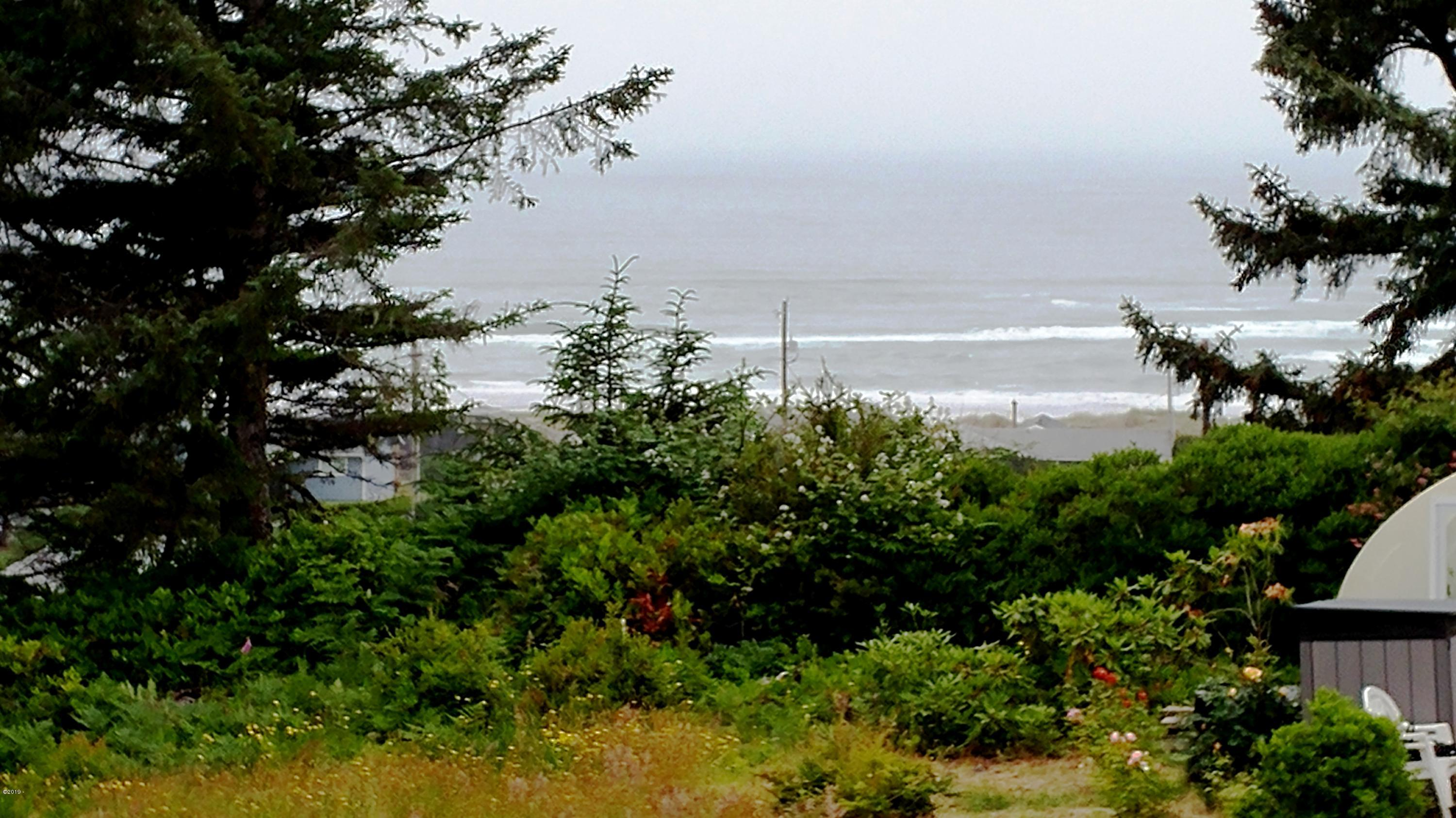 2722 NW Seafarer Ct, Waldport, OR 97394 - 2722 Seafarer Ct.