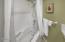 424 Bella Beach Cir, Depoe Bay, OR 97341 - Master Bathroom