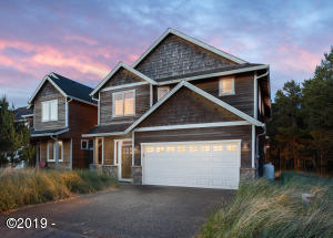 33685 Center Pointe Dr, Pacific City, OR 97135 - Exterior