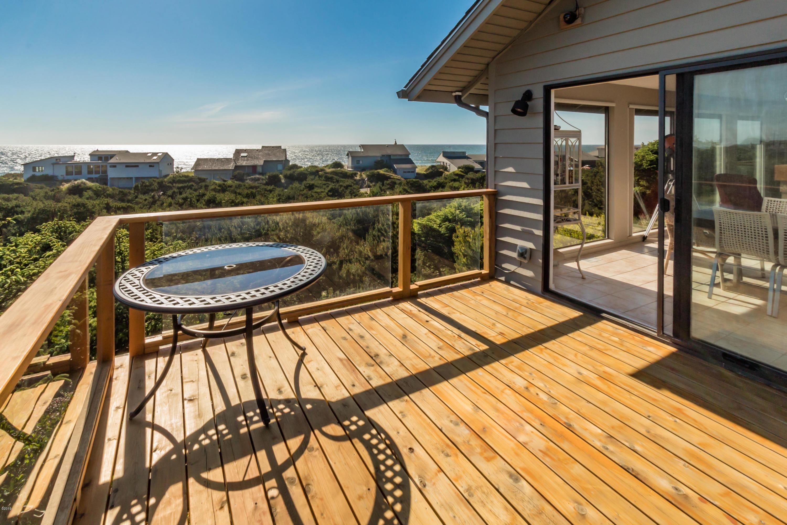 21 Dune Point Dr, Gleneden Beach, OR 97388 - Look at that Ocean View