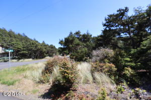 1318 NW Bayshore Dr., Waldport, OR 97394 - Corner Lot