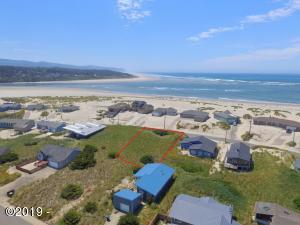 33 NW Oceania Dr, Waldport, OR 97394 - Drone 1