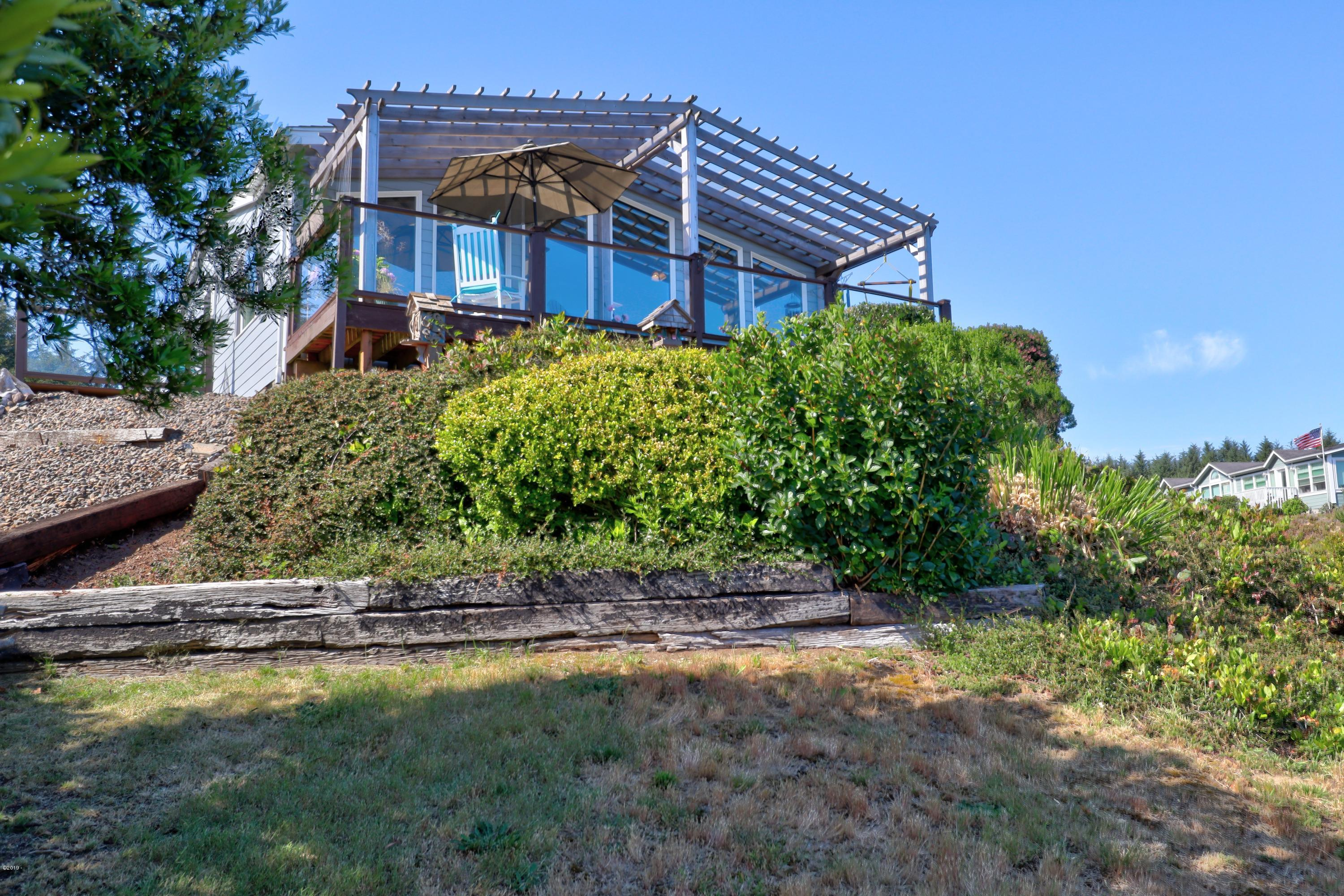 5690 NE Windmill Dr., Newport, OR 97365