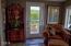 5690 NE Windmill Dr., Newport, OR 97365 - Living Room