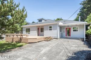 735 SW 28th St., Lincoln City, OR 97367 - Curbside