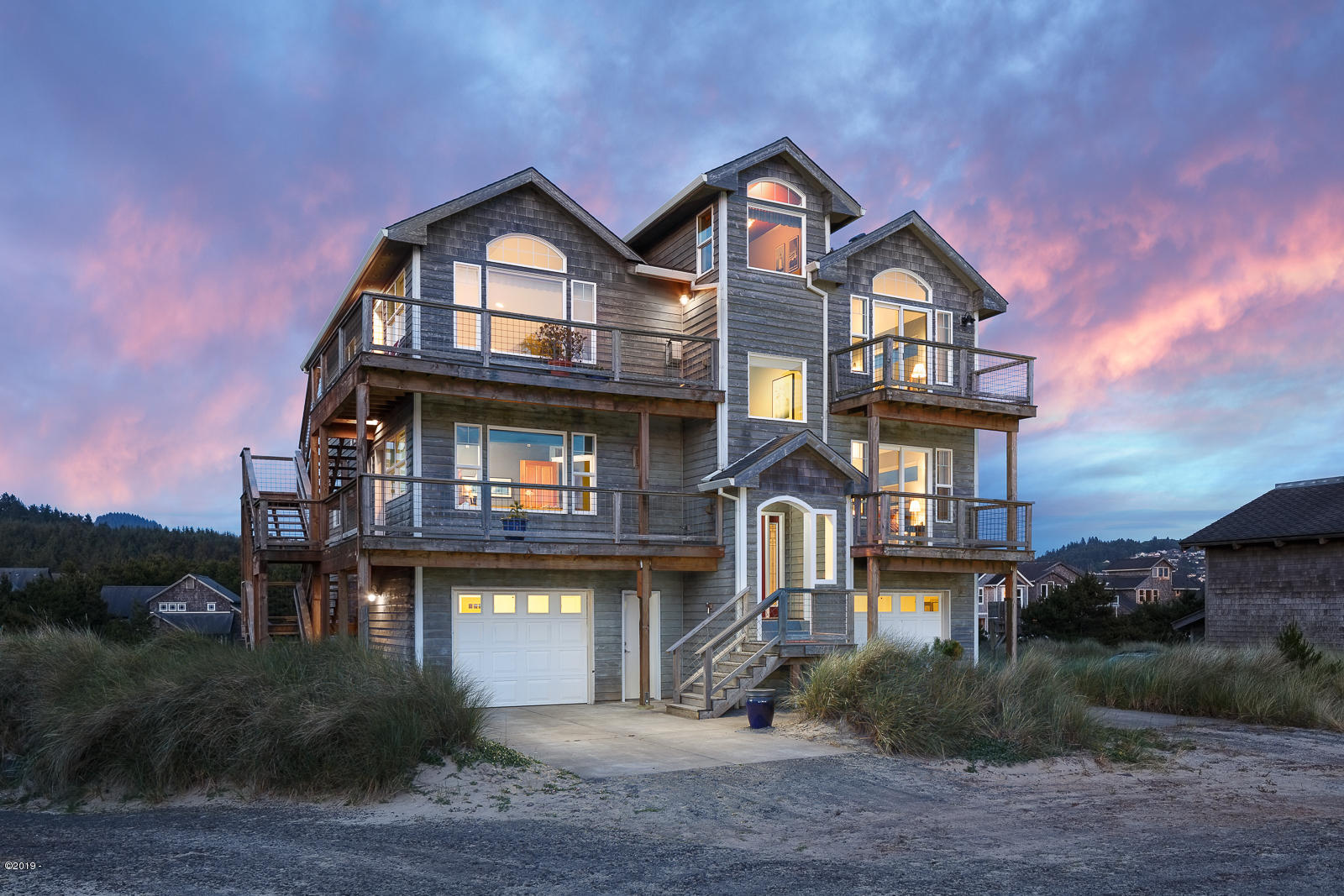 34045 Ocean Dr, Pacific City, OR 97135