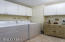 600 Island Dr, #22, Gleneden Beach, OR 97388 - Laundry Room