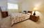 1415 NW 31st Pl, 271, Lincoln City, OR 97367 - Hall bath