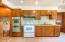 5025 NE K Ave, Neotsu, OR 97364 - Kitchen