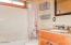 719 NE Fogarty St, Newport, OR 97365 - Main Level Bathroom