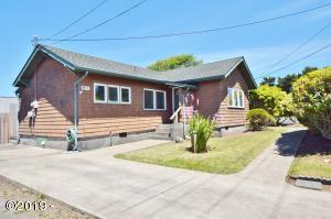 133 NE 8th St, Newport, OR 97365 - Front
