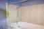 133 NE 8th St, Newport, OR 97365 - Shower/tub