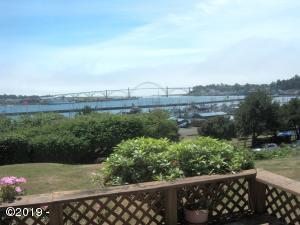 844 SE 5th, Newport, OR 97365 - Bay
