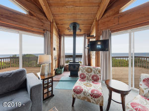 4425 SW Beach Ave, Lincoln City, OR 97367 - Ocean Front