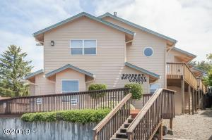 250 SE Coast Guard Dr, 4, Depoe Bay, OR 97341 - BooShay Condo