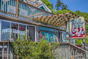 134 SW Bay Blvd, Newport, OR 97365 - Sail Inn 3