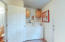 86 NW Spencer St, Yachats, OR 97498 - Laundry/mudroom
