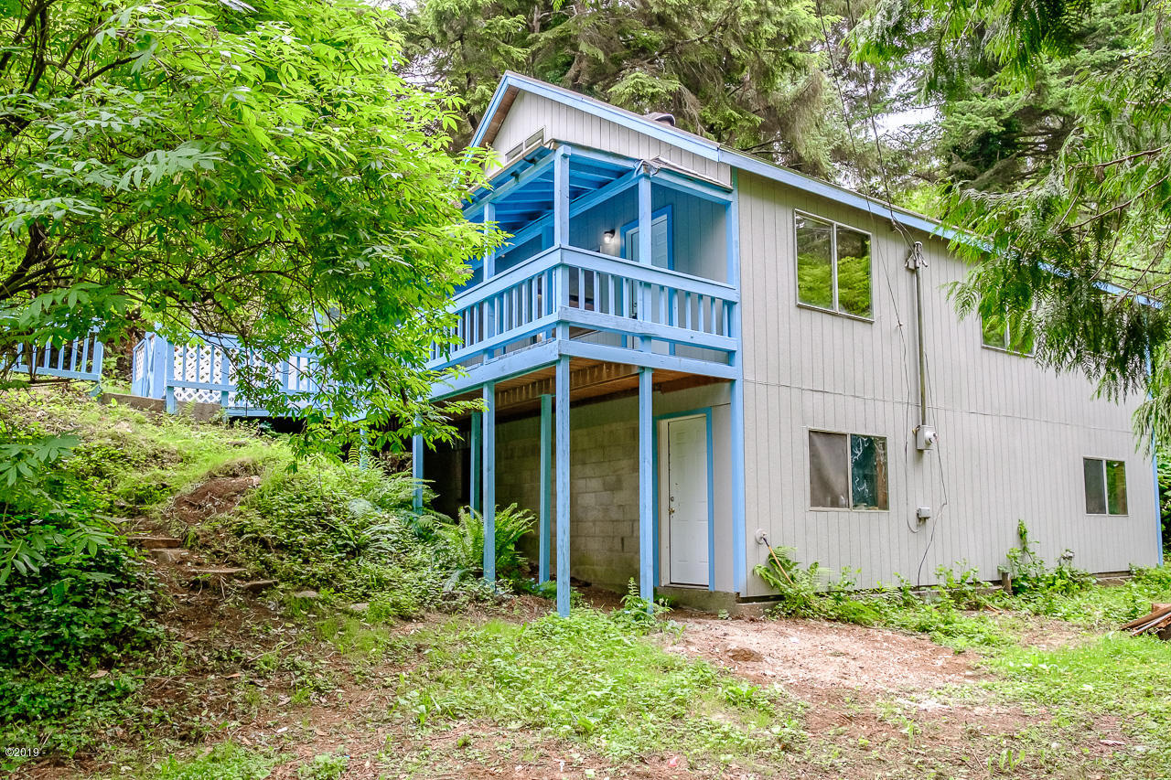167 Siletz Hwy, Lincoln City, OR 97367 - New Front