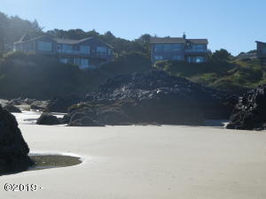 8668 NW Coast Rd, Seal Rock, OR 97376