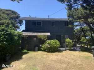 6375 NW Finisterre Ave, Yachats, OR 97498 - Front of House