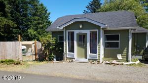 4690 NE Johns Ave, Neotsu, OR 97364 - Looks small