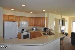 939 N Hwy 101, Unit 515 Week K, Depoe Bay, OR 97341 - 8-515 Kitchen-B